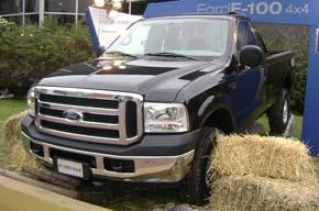 Ford F100 4í—4