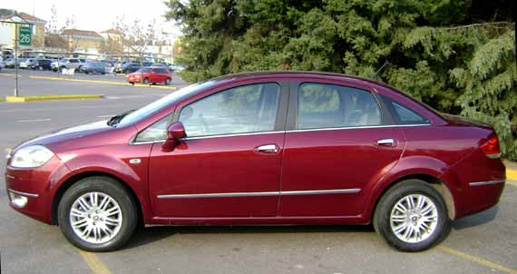 Lateral Fiat Linea