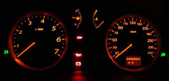 Renault Symbol tablero nocturno
