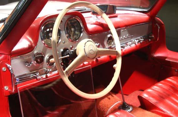 Mercedes Benz 300 SL Gollwing 1962 interior